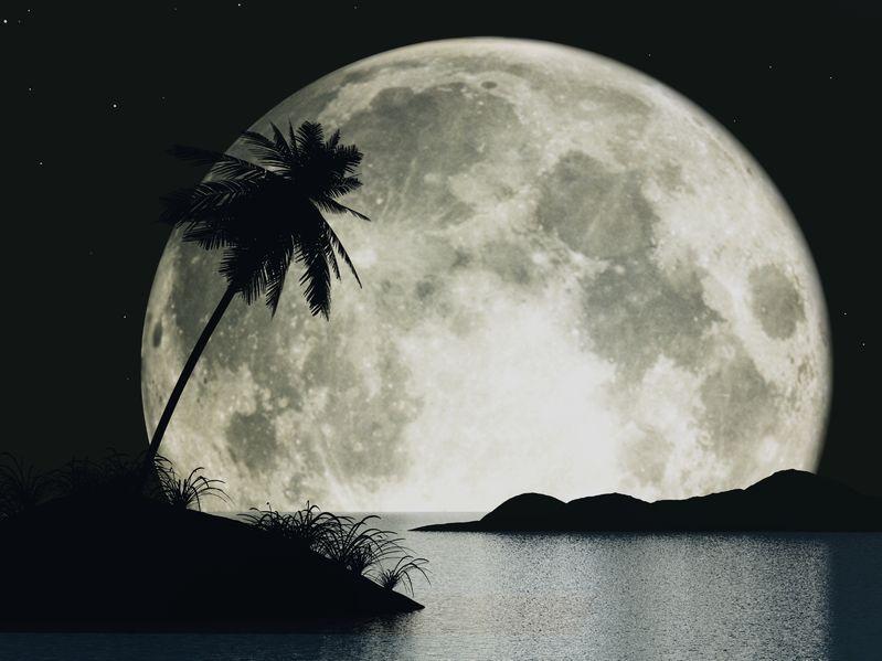 Full moon over Lemuria